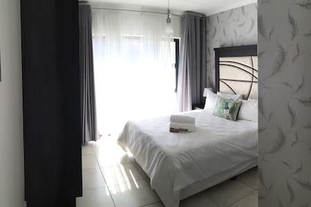 Executive 1 Bedroom Apartment - Apartemen