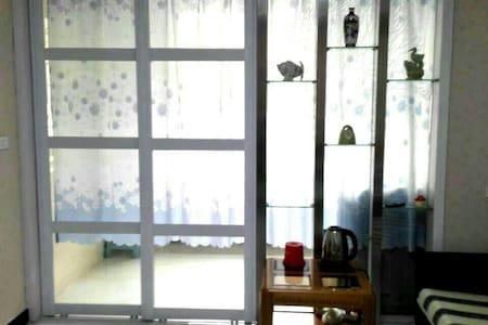 新装修温馨小屋位于焦作常绿林溪谷~有网络newly furnished