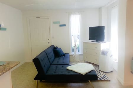Fort Myers Beach Apartment fully remodeled 2016 - Fort Myers Beach - Apartment