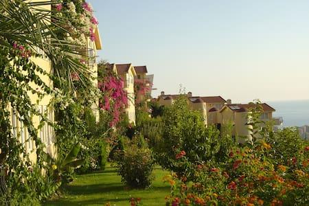 Sea and Mountain view, 5* Goldcity - Alanya - Villa