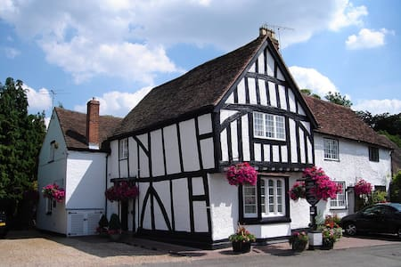 Quality B&B in Warwick Town Centre - Bed & Breakfast