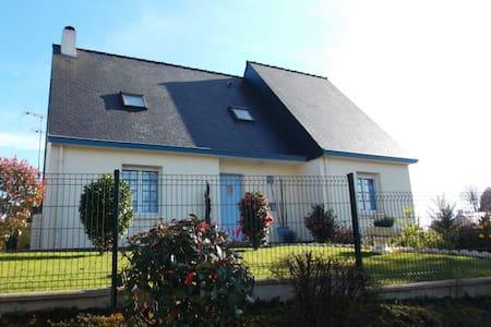 Avranches villa cotriade à 2 pas du Mont St Michel - Hus