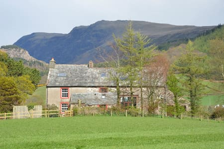 Large Traditional Farmhouse, Wasdale - Santon Bridge