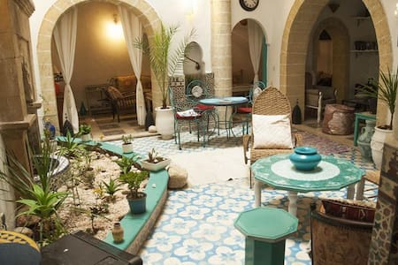 RIAD LALLA ZINA : 1 or 2 pers - Essaouira - Bed & Breakfast