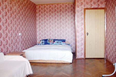 Уютная квартира, 5 минут пешком от метро беговая - Moskva