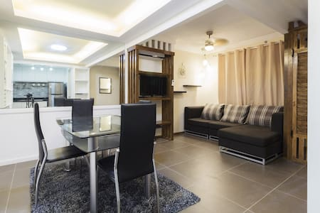 Homey 2BR Fully Furnished Condo w/ FREE PARKING - Condominium