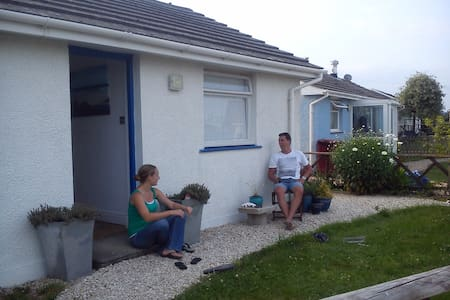 Cosy modern coastal 2bd cottage - Haverfordwest  - Casa
