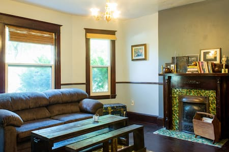 Private Suite in Central Halifax - Lakás