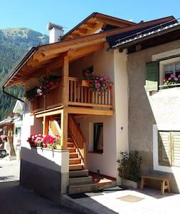 """LA CASETTA """"""""MARTEL""""""""   Val di Fassa-Dolomiti - Canazei - Apartment"""