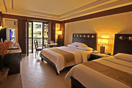 Best Beachfront Room in Boracay - Bed & Breakfast