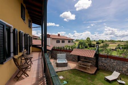 Vila Friuli Karst - Komen - Talo