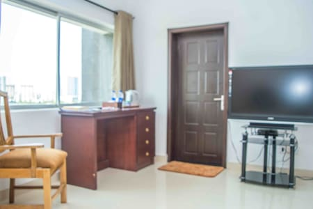 Suite in a Luxury Apartment w/view of Lagos Lagoon - Eti-Osa - Bed & Breakfast