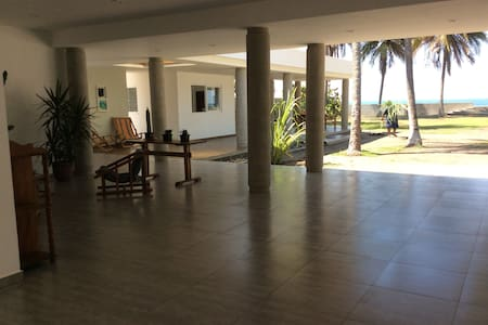 Playa Metalio Beachfront House - Metallo - Rumah