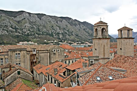 B rooftop apartment - Kotor