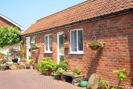 STABLES BED AND BREAKFAST - BEMPTON - Bed & Breakfast