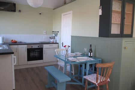 Charming private seaside chalet - Tramore - Apartment