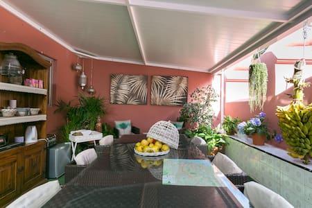 Pension Casablanca-Habitación Simpl - Bed & Breakfast