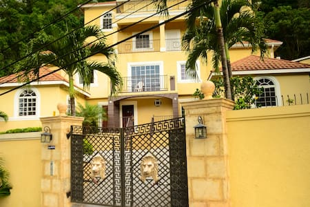 palm luxury villas - Kingston - Appartement