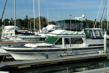 50ft Spacious Yacht w/ A/C & view - Marina del Rey