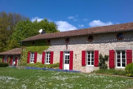 Puy du Fou - Les Guyonnières - House