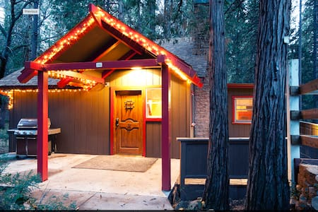 Fresh and cozy mountain retreat - Idyllwild-Pine Cove - House