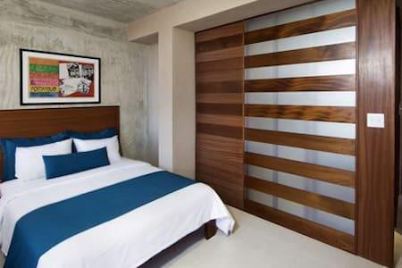 Dream Inn Sunlight Room - San Juan - Bed & Breakfast
