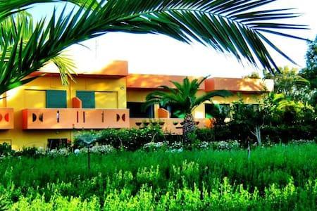 Chrissas Apartments - Rethymno