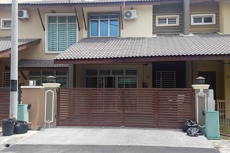 Siakap Homestay @ Seberang Jaya Penang - Apartment