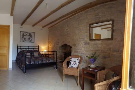 Maison Ancienne, Chambre D'Hote - Guilligomarc'h