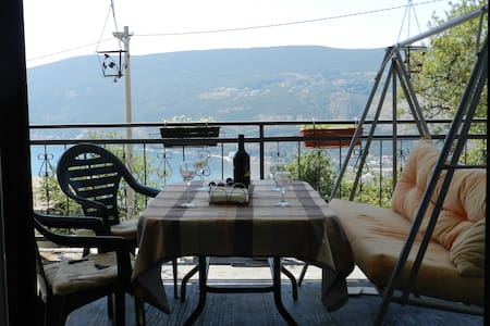 Hilltop Sea View Apartment - Sušćepan - Apartamento