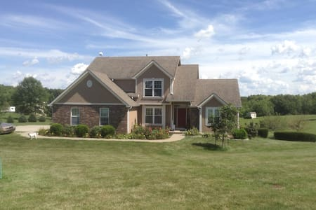 Country Retreat Near KCI Airport - Piano intero