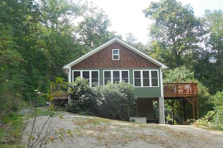Sparrow's Nest Farm Cottage - Candler - Other