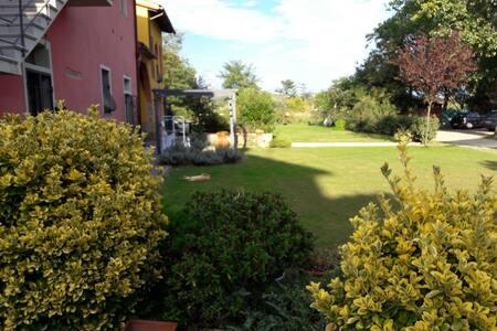 Bilocale in colonica con Giardino - Wohnung
