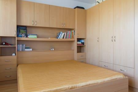 Double bedroom in kv. Vitosha - Apartment