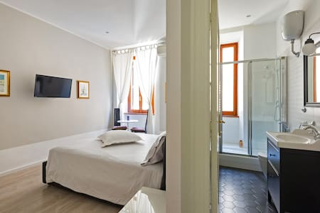 Room Suite Rome (in the Heart) x 2 - Bed & Breakfast