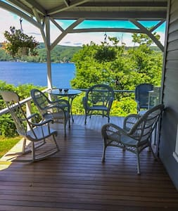 Large and sunny room on Keuka Lake, beach access - Hammondsport - Casa