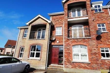 Bright and spacious apartment. - Portstewart