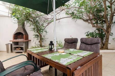 Your relaxing garden apartment in the city centre! - Lagos - Appartamento