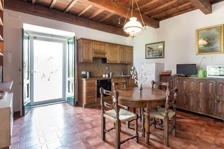 Florence with a view Rignalla - camera doppia 1p - Apartment