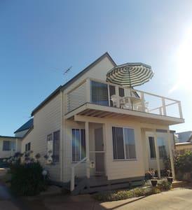 San Remo townhouse close to Phillip Island - San Remo - Reihenhaus