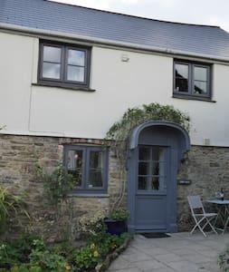 Cider House - Romantic roses over door cottage - Totnes - Other