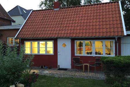 Hyggelig feriebolig i rolige omgivelser. - Tønder - Casa de hóspedes