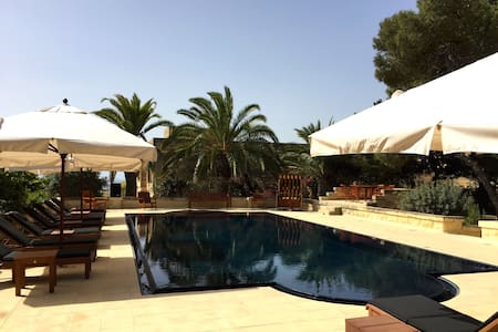 Guest Suite in Villa with BIG POOL - Malta - Villa