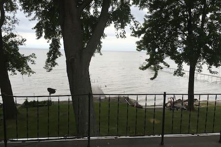 Great View Lake Winnebago - Apartment