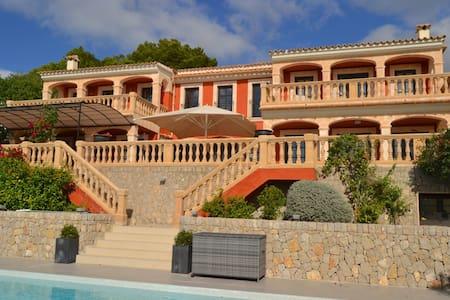 Luxury villa overlooking Puerto Portals/Mallorca - Costa d'en Blanes - Villa
