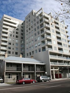 Newcastle Two Bedroom Apartment - Newcastle West - Apartemen