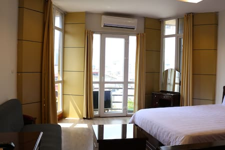 Spacious Serviced Apartment Private Balcony A802 - Apartamento