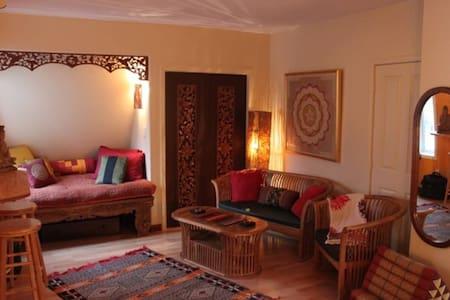 Mandala Suite in Heart of Nelson - Apartemen