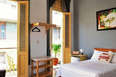 La Joya Casa Particular Cuba - Bed & Breakfast