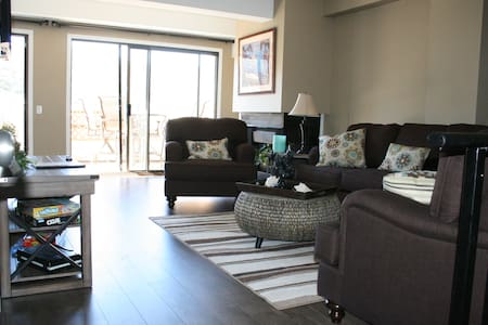 Family-Friendly Avalon Penthouse - Avalon - Condominium
